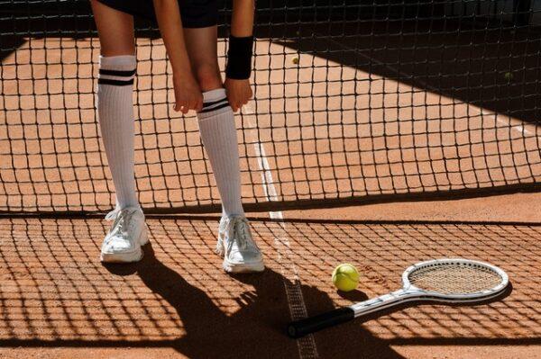 Look ispirati al tennis per gli Open di Francia 2021